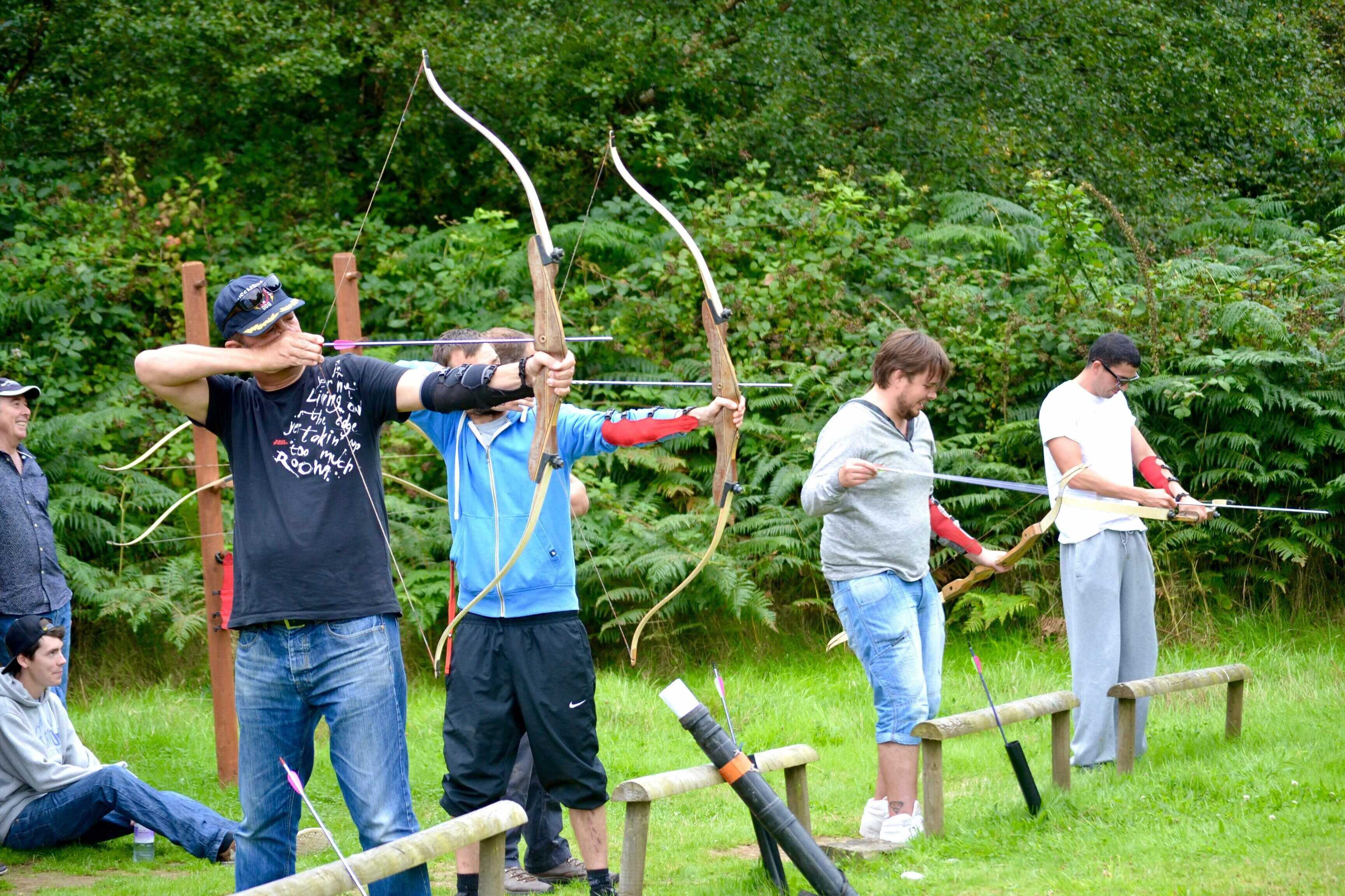 archery-throwing