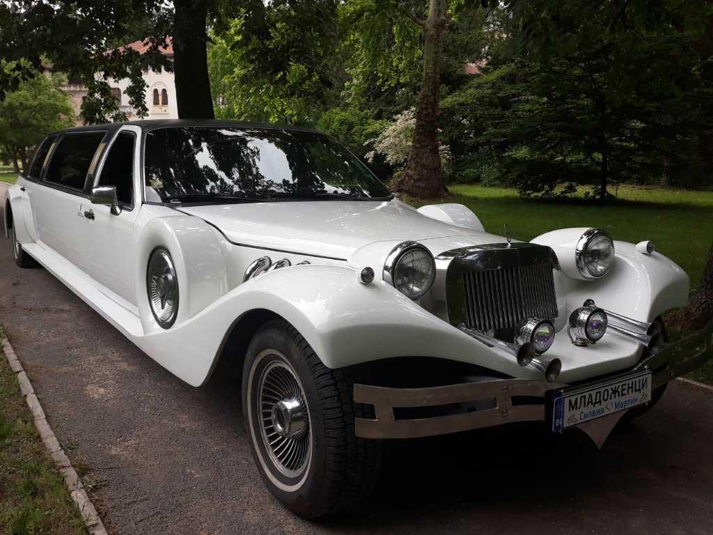 beverly-vintage-limousine